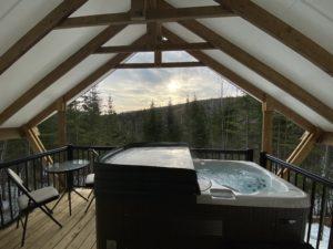 Camping avec spa et terrasse privée dans Charlevoix