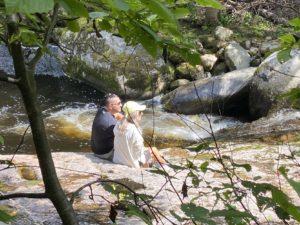 escapade en amoureux dans Charlevoix sur le bord de la rivière